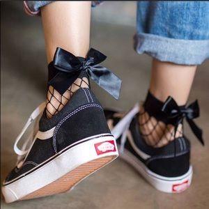 Bundle of 3 pairs